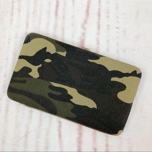 Handbags - Camouflage Flat Canvas Wallet